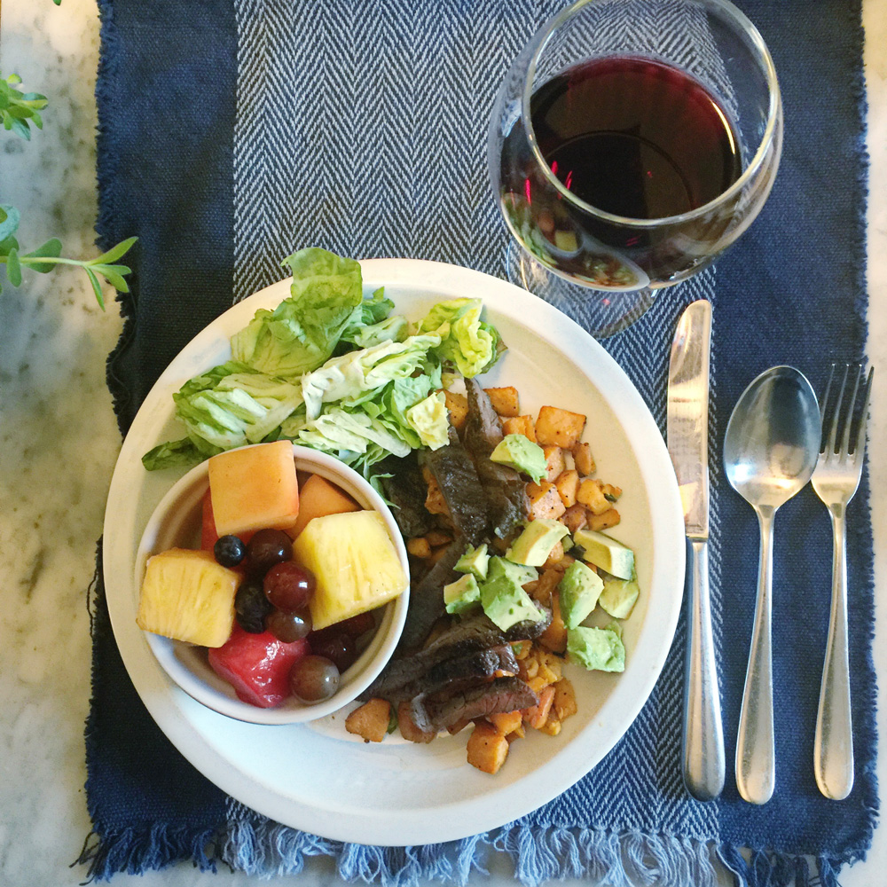 Review of Terra's Kitchen a farm to front door meal delivery service. All the ingredients are straight from the farm and ready for you to prep with really yummy looking meals. #TerrasKitchen #TKWay